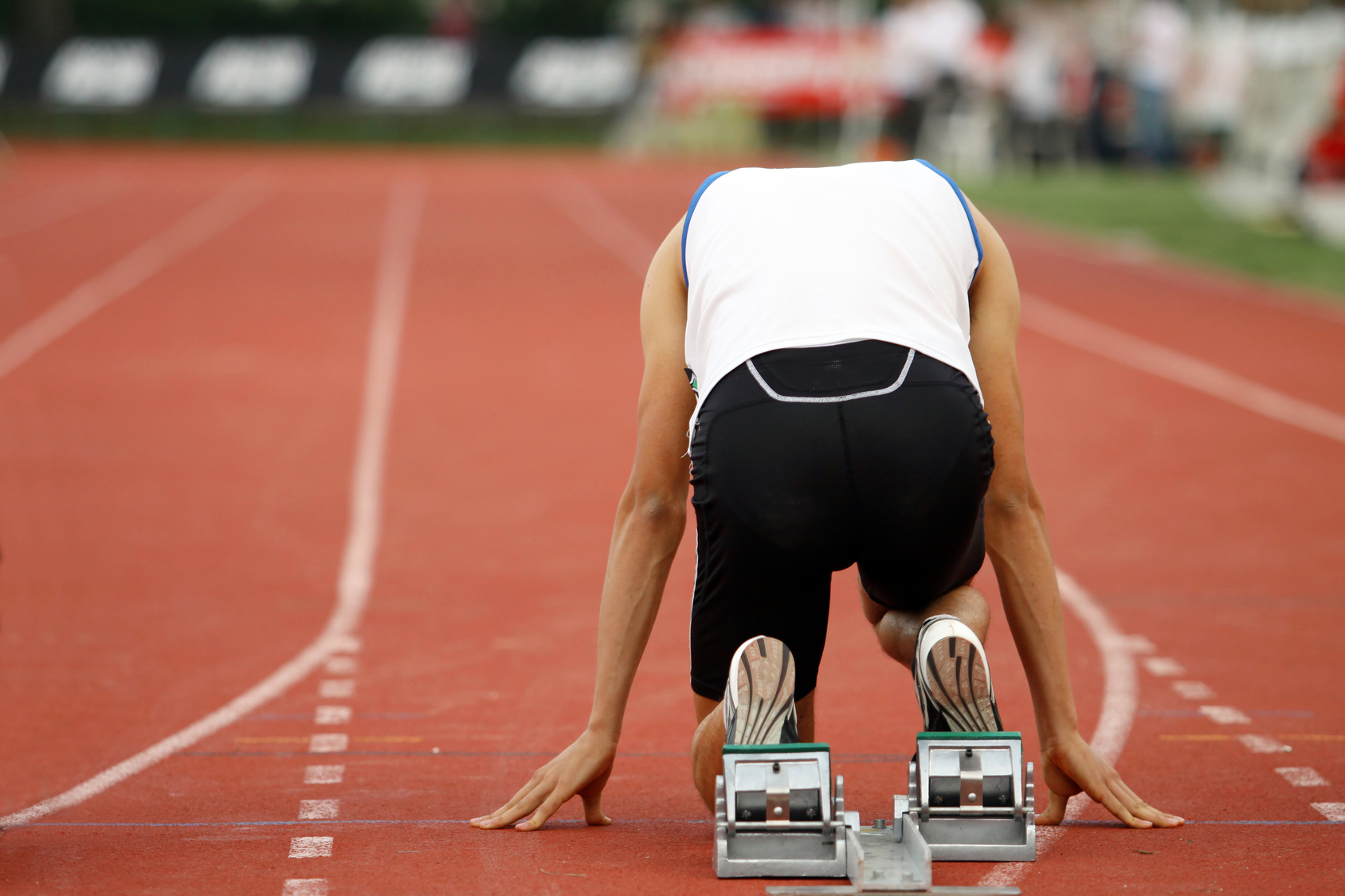 anxiety research within sport psychology Of research has been conducted examining the relationship between anxiety and performance within the field of athletics this paper will review the relevant research.